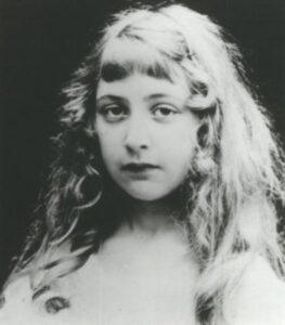 آغاثا كريستي في طفولتها